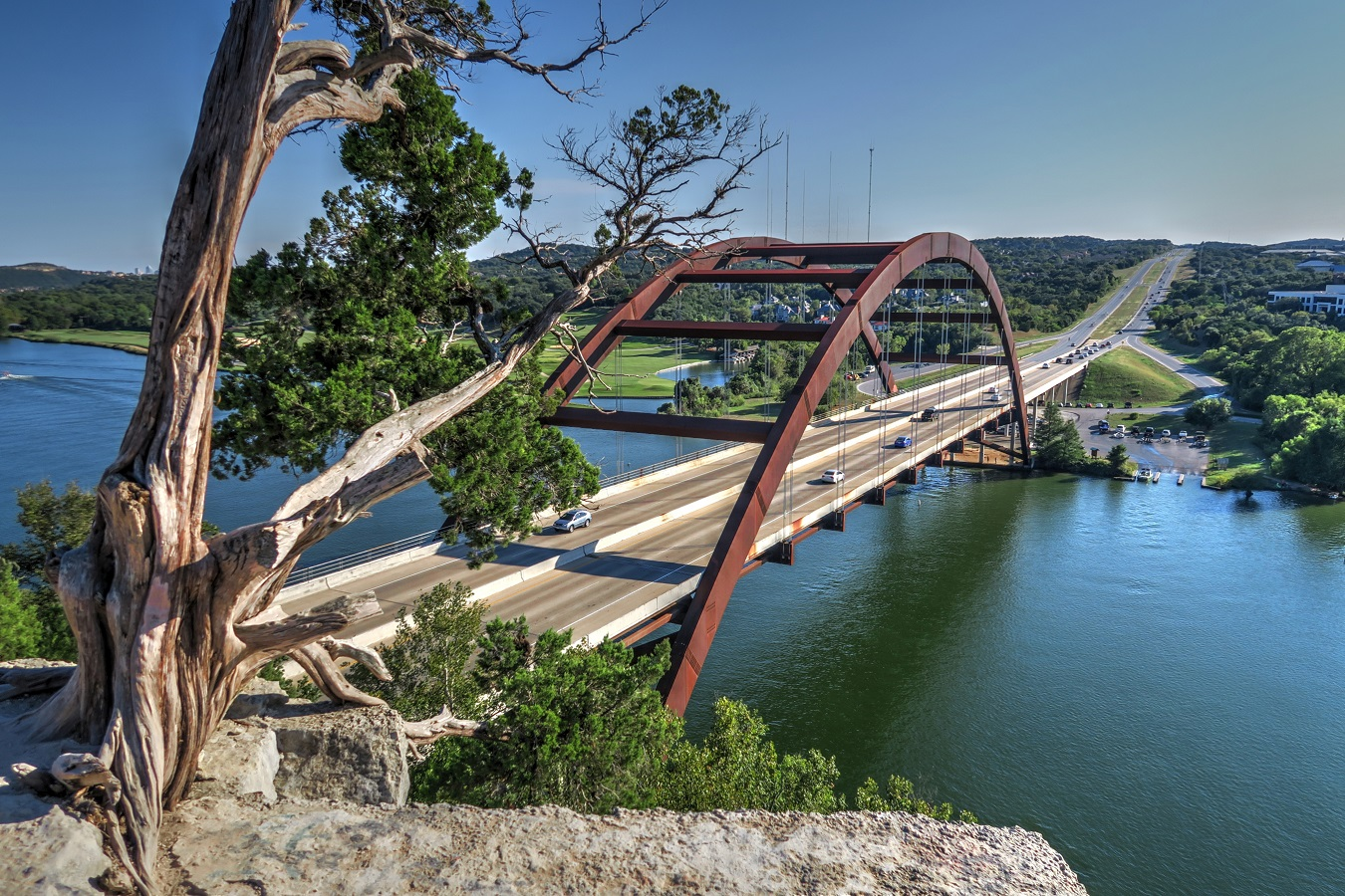 shutterstock_1274558539-Pennybacker-Bridge-Over-Lake-Austin-1350x900